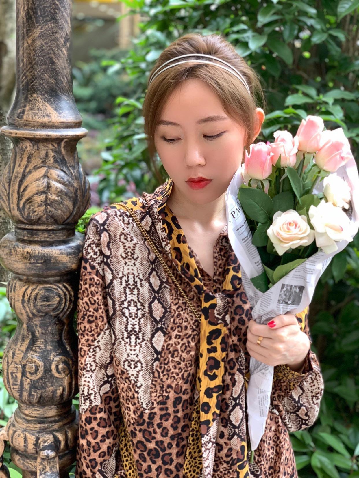 5-13 #昕鑫每日穿搭# 谁说豹纹裙穿不出少女感的 我来颠覆它😝😝😝 @西五街挖宝喵  @西五街猫霸霸  @全街的希望